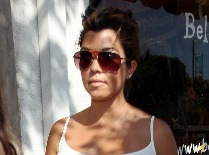 Kourtney Kardashian : elle n'arrive pas à pardonner les infidélités de sa mère !