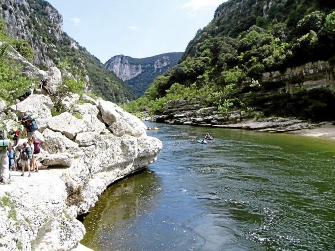 On part en rando… … dans les gorges de l'Ardèche avec un guide-nature labellisé