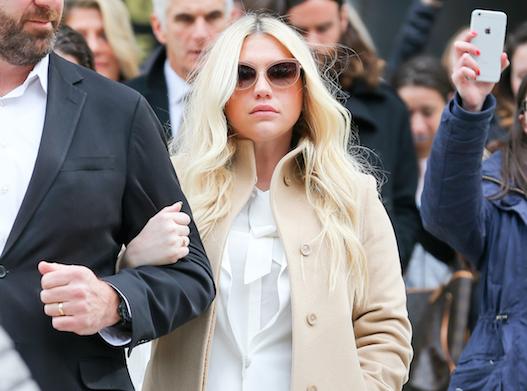La victoire de Kesha : Sony pourrait virer son bourreau, Dr Luke !