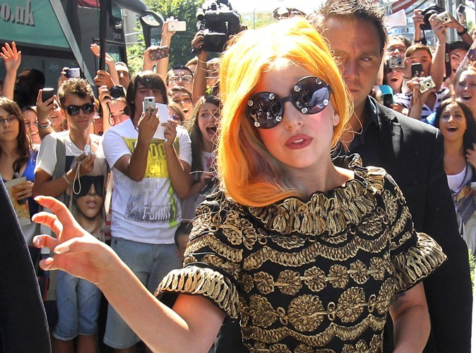 Lady Gaga : en colère contre des amis intimes qui l'ont trahie !