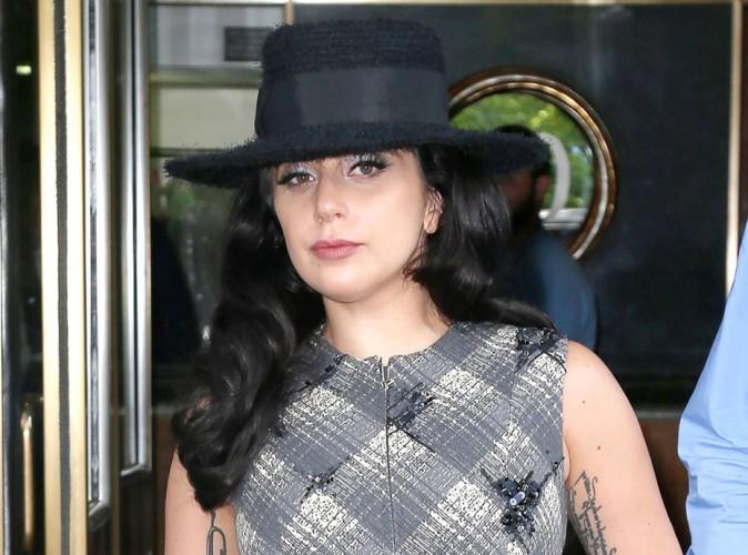 Lady Gaga se lance dans la mode pour chiens!