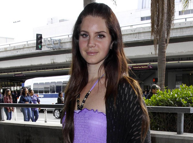 Lana Del Rey : fiancée en secret à son copain, Barrie-James O'Neill !