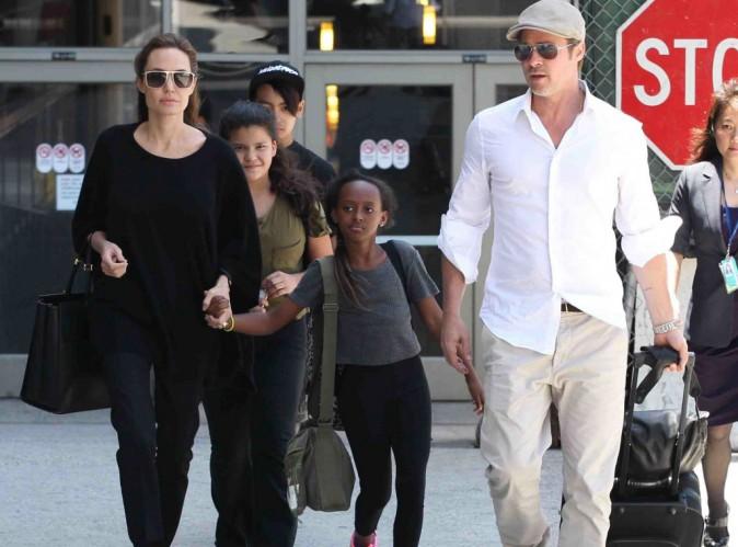 """Le médium de Brad Pitt se confie : """"Il n'aime pas Angelina, mais il reste pour les enfants !"""""""