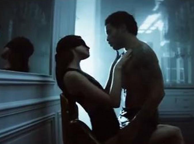 """Lenny Kravitz : ses jeux érotiques à Paris dévoilés en intégralité dans le clip de """"The Chamber"""" !"""