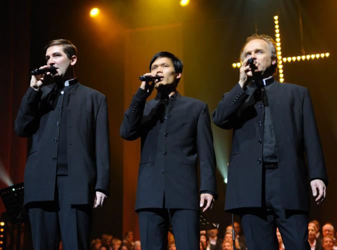 Les Prêtres : grâce à leurs albums, ils ont reversés 200 000 euros à des associations !