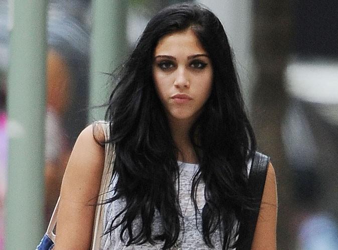 Lourdes Leon : après s'être rasée la tête, elle se teint les cheveux en vert !