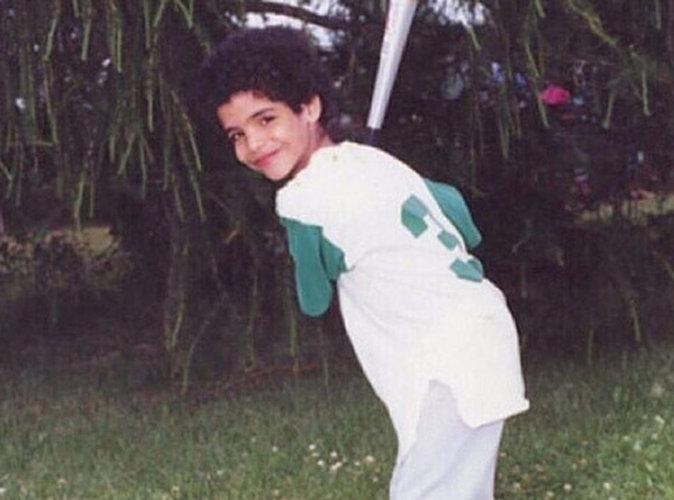 Mais qui est cet adorable petit garçon ?