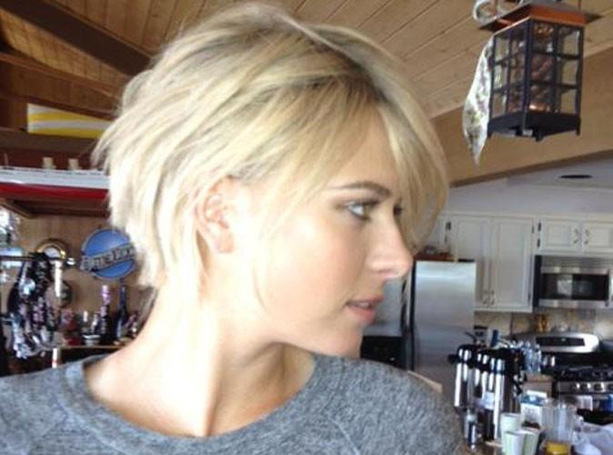 Sharapova : une nouvelle coupe de cheveux au carré. Vous aimez ?