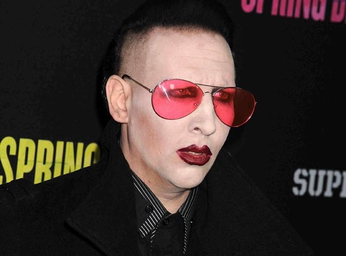 Marilyn Manson : il réclame un masque à oxygène en coulisse…