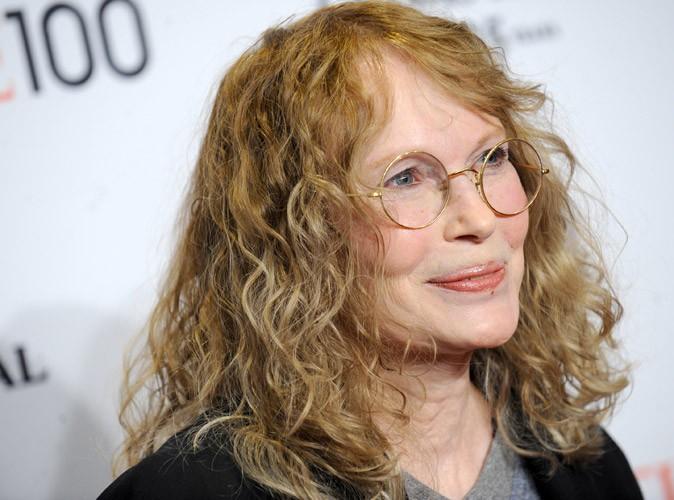"""Mia Farrow : Frank Sinatra """"pourrait être"""" le père de son fils, et non pas Woody Allen !"""