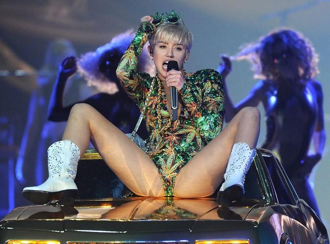 Miley Cyrus : elle utilise un prompteur pendant ses concerts !