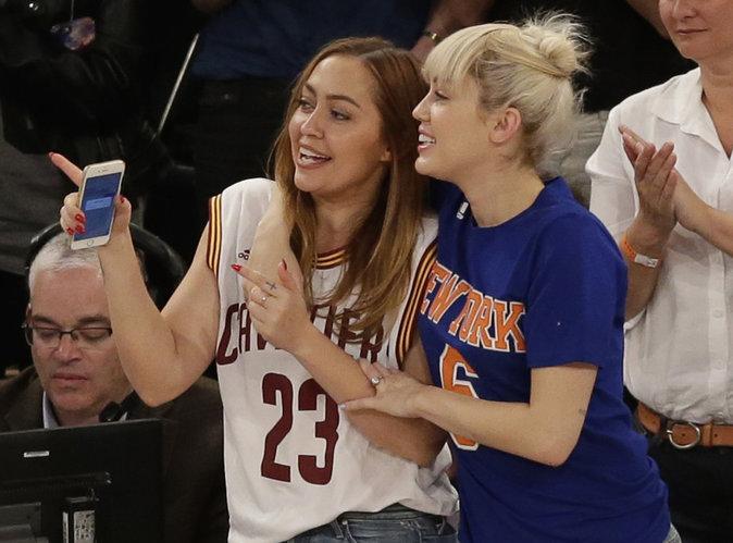 Miley Cyrus : Elle a la bague au doigt!