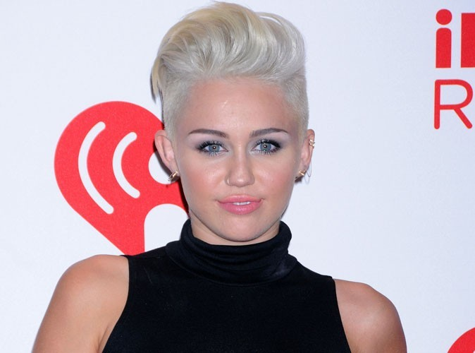 Miley Cyrus : on lui propose une offre classée X !