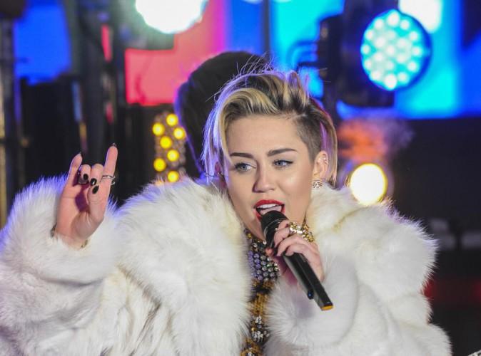 """Miley Cyrus, totalement furax : """"2014 sera l'année où je ne supporterai plus la bêtises des gens"""" !"""