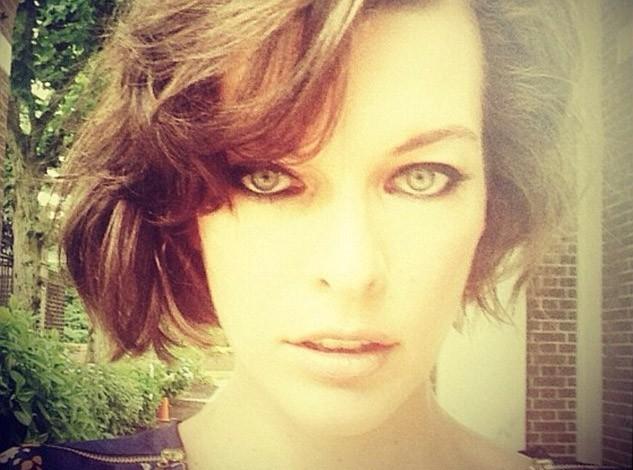 Milla Jovovich : peu importe sa coupe de cheveux, elle s'aime !