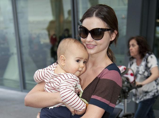 Miranda Kerr : belle et naturelle, elle s'affiche rayonnante avec son amour de bébé !