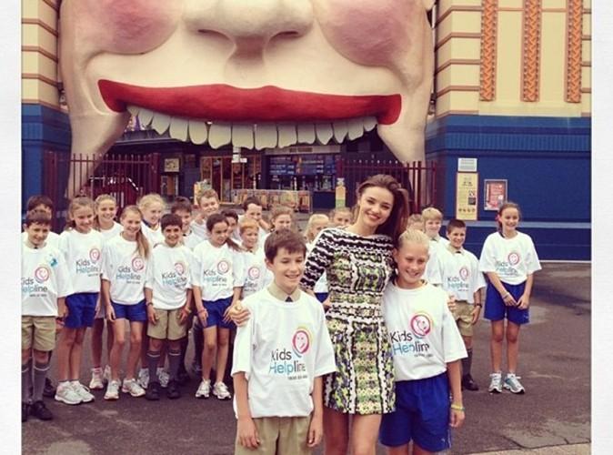 Miranda Kerr : la belle devient une ambassadrice pour une association d'aide aux enfants !