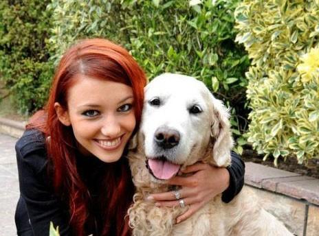 Miss France 2012 : complètement gaga de son chien !