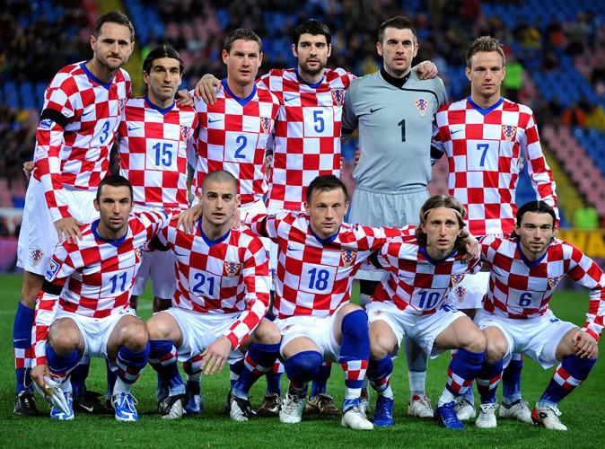 Mondial 2014 : surpris nus dans une piscine, les joueurs croates se révoltent... Découvrez les photos !