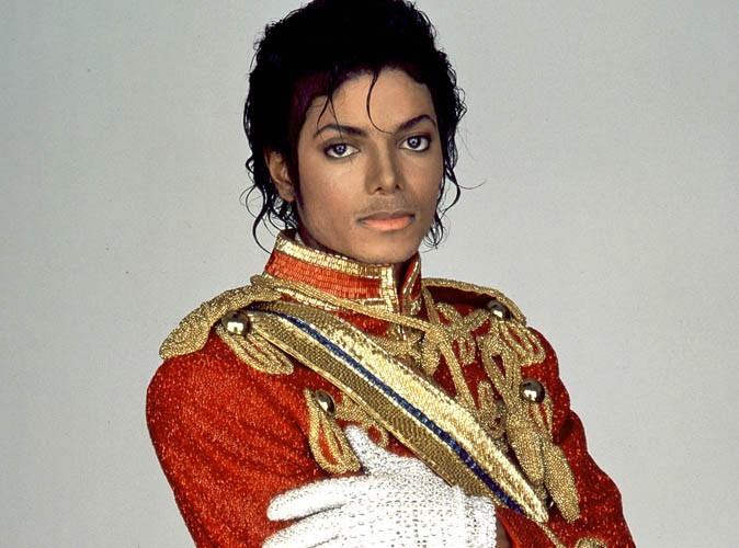 Mort de Michael Jackson : le procureur choque en montrant la photo du cadavre du chanteur !