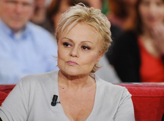 Muriel Robin : émouvante, elle raconte