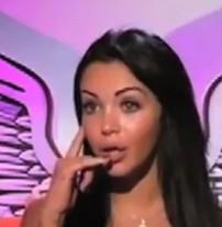 Nabilla (Les Anges de la télé-réalité) : elle fait le buzz sur internet, Kevin Razy lui répond !