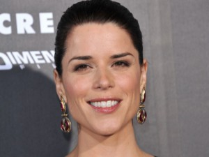 Neve Campbell : la star de Scream est enceinte !
