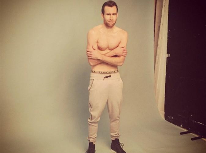 Neville Londubat se dénude pour un magazine gay !