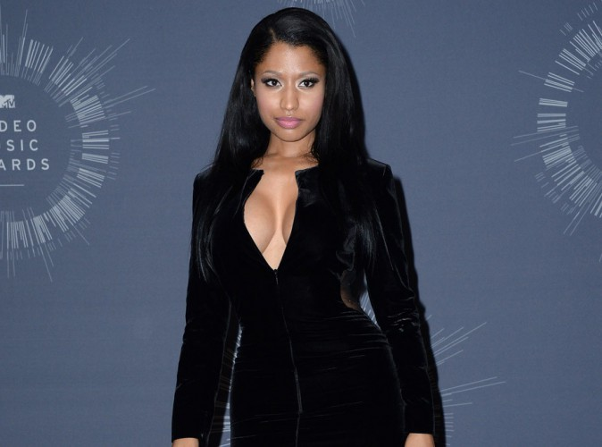 Nicki Minaj : sa robe qui la lâche aux VMAs, et si c'était un coup monté ?