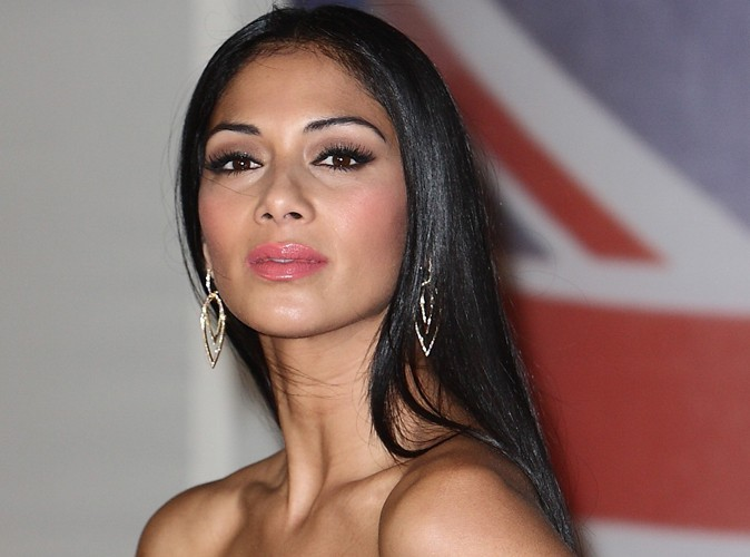 nicole scherzinger tre belle ne lui demanderait pas beaucoup d efforts. Black Bedroom Furniture Sets. Home Design Ideas