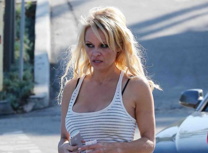 Pamela Anderson : en plein divorce, elle fout les filles de Rick à la porte, ses amis ne l'ont jamais vue comme ça !