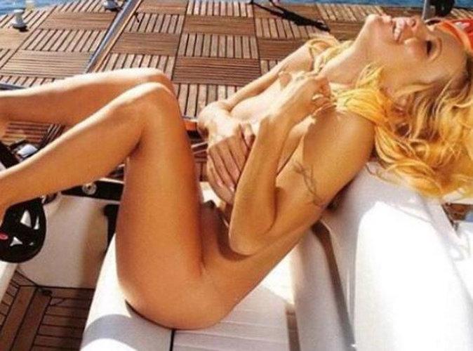 Pamela Anderson : totalement nue pour annoncer sa guérison !