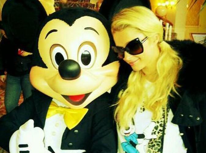 Paris Hilton : elle retombe en enfance avec Mickey !