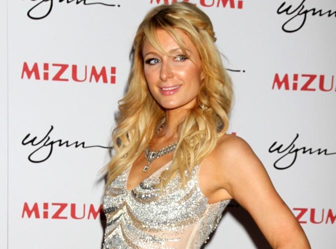 Paris Hilton : massacrée par les critiques pour ses débuts de DJ !