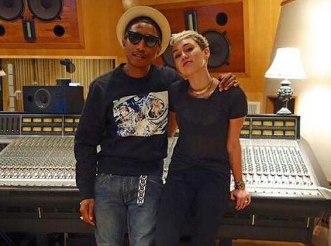 """Pharrell Williams et Miley Cyrus : découvrez leur duo entêtant sur le titre """"Come Get It Bae"""" !"""