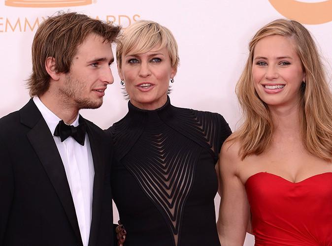Robin Wright aux côtés de ses enfants Hopper et Dylan Penn à Los Angeles le 22 septembre 2013