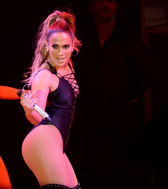 Jennifer Lopez donne son corps pour Hillary Clinton