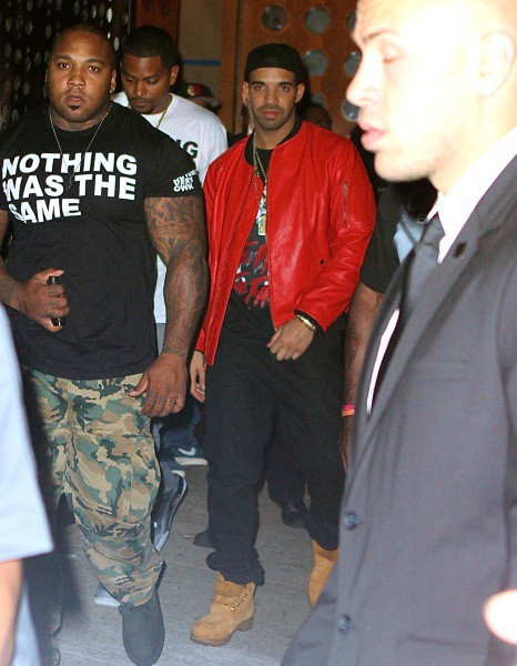 Drake à la sortie d'une after party, le 25 août 2013