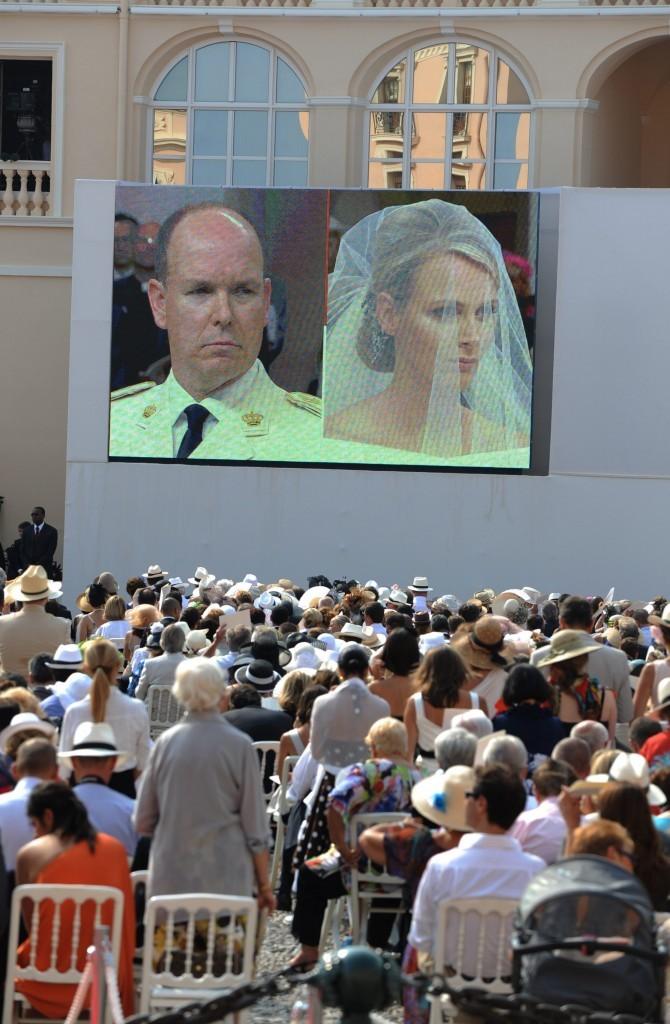 Une cérémonie retransmise sur écran géant !