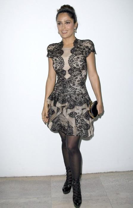 Salma Hayek assiste au défilé Alexander McQueen en ... Alexander McQueen, en octobre dernier.