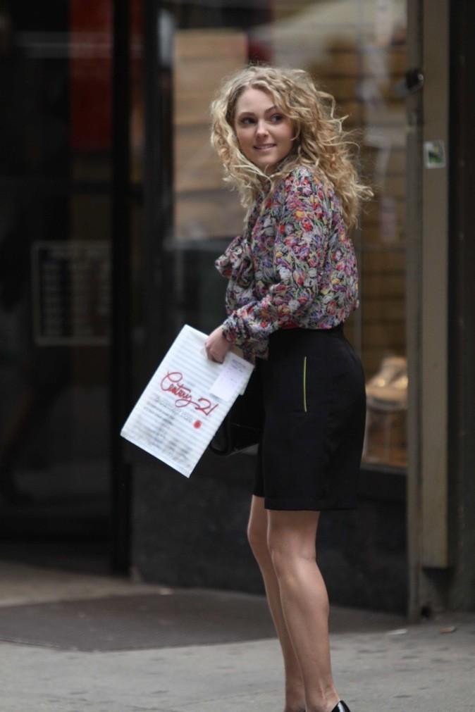 "AnnaSophia Robb sur le tournage du film ""The Carrie Diaries"" !"
