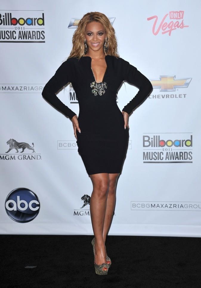 Le match des robes noires : Beyoncé ou Rita Ora ?