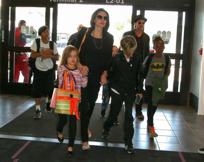 Photos : Brad Pitt et Angelina Jolie : comme Kim et Kanye, ils voyagent en classe éco !