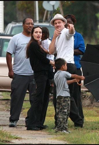 2008 : Madox Chivan et Pax Thien avec leurs parents
