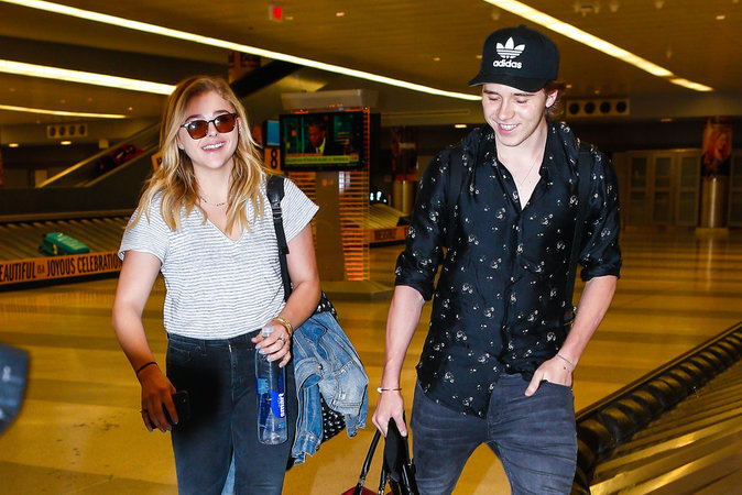 Chloë Grace Moretz et Brooklyn Beckham à New York le 27 juin 2016
