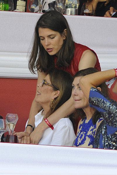 Charlotte Casiraghi et sa mère Caroline de Monaco à Monaco le 26 juin 2016
