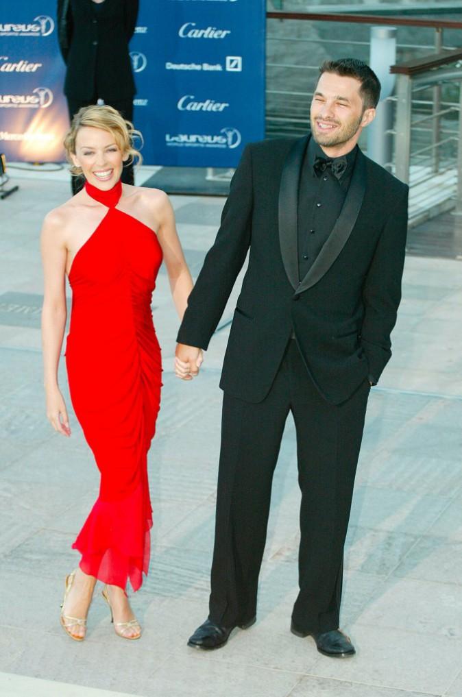 Kylie Minogue – Avant qu'il tombe amoureux de la jolie Halle Berry, Olivier Martinez avait succombé au charme de Kylie Minogue de 2003 à 2007.