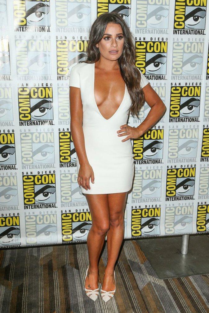 Lea Michele a misé sur la robe maxi décolletée