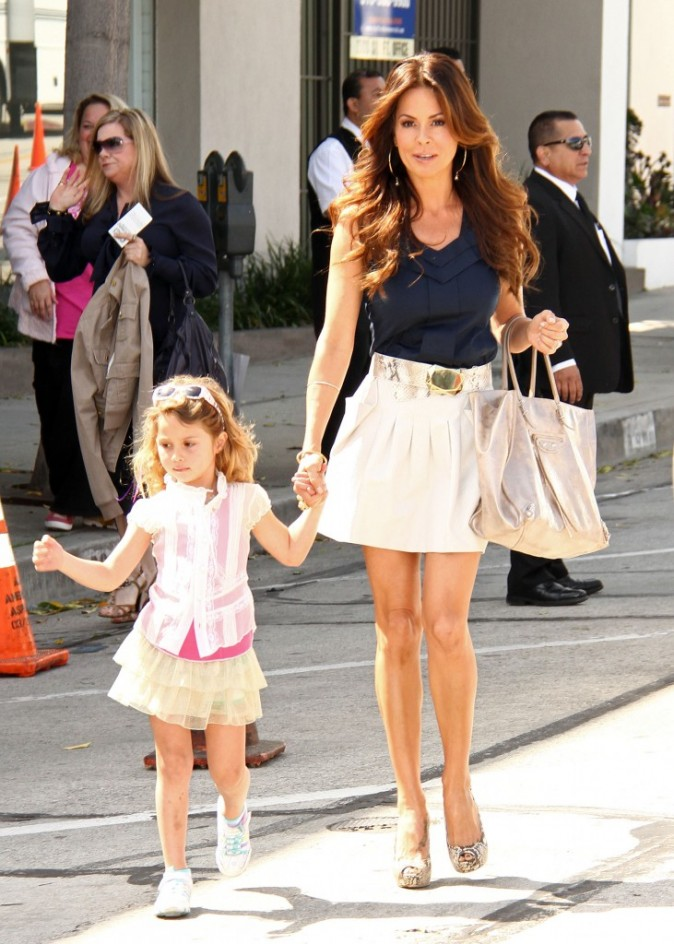 Brooke Burke et David Charvet en famille à Los Angeles, le 13 mars 2011.