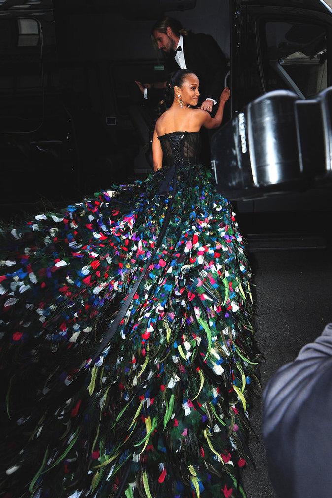 Zoe Saldana au Met Gala à New York le 2 mai 2016
